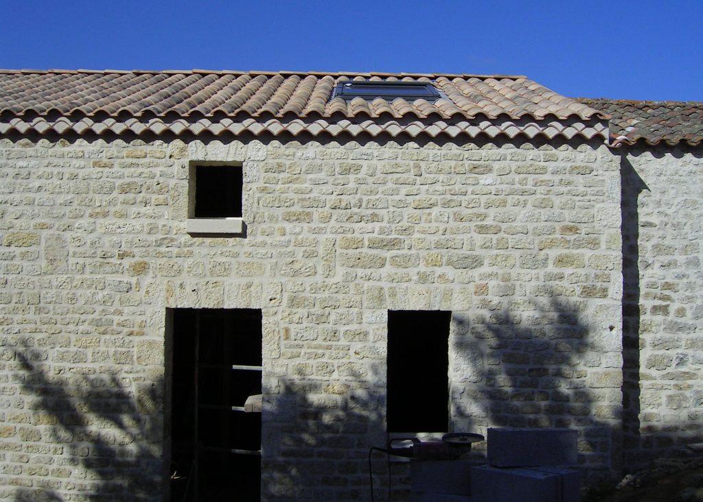 façade de chai en pierre