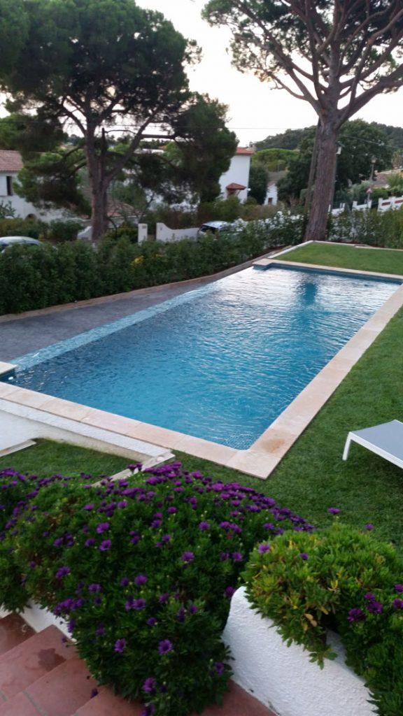 piscine au coeur du jardin
